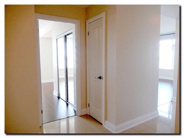 Condo Apartment at 24 Woodstream Blvd, Unit 312, Vaughan, Ontario. Image 18
