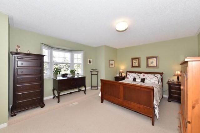 Condo Townhouse at 733 Caradonna Cres, Newmarket, Ontario. Image 5