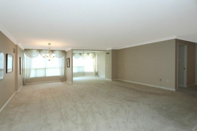 Condo Apartment at 7300 Yonge St, Unit 202, Vaughan, Ontario. Image 14