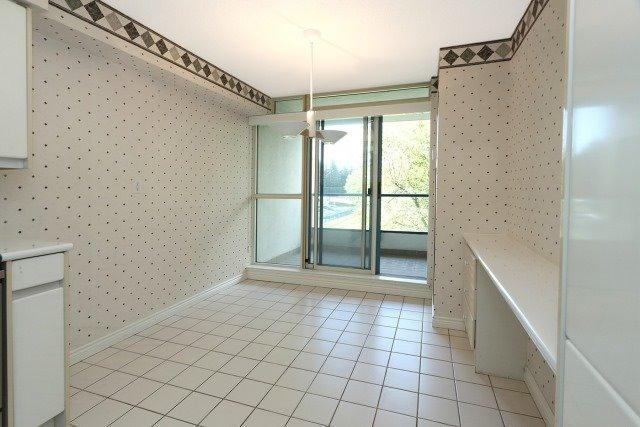 Condo Apartment at 7300 Yonge St, Unit 202, Vaughan, Ontario. Image 18