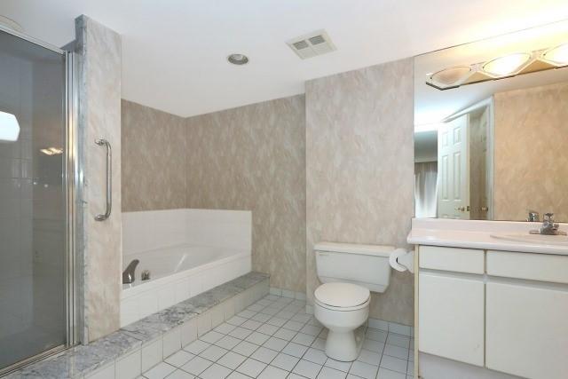 Condo Apartment at 7300 Yonge St, Unit 202, Vaughan, Ontario. Image 2