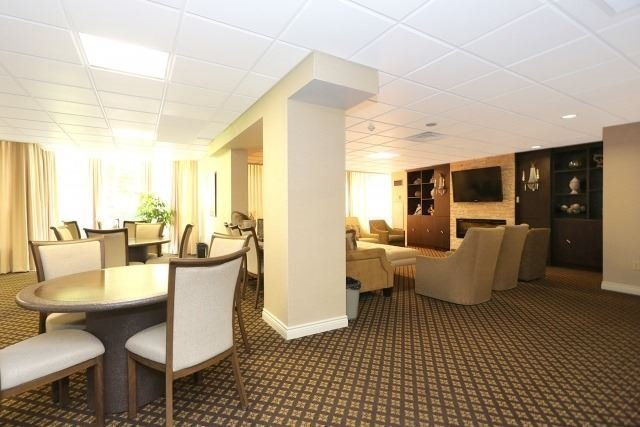 Condo Apartment at 7300 Yonge St, Unit 202, Vaughan, Ontario. Image 10