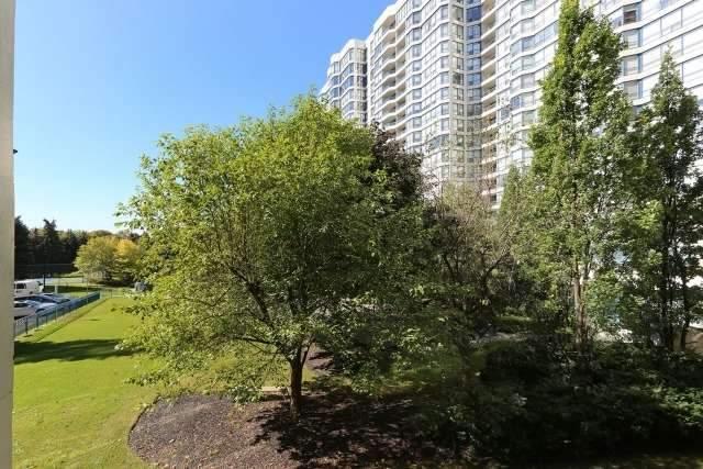 Condo Apartment at 7300 Yonge St, Unit 202, Vaughan, Ontario. Image 11