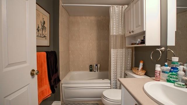 Condo Apartment at 2100 John St, Unit 516, Markham, Ontario. Image 9
