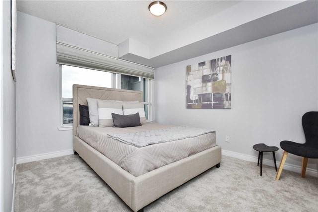 Condo Apartment at 50 Disera Dr, Unit 902, Vaughan, Ontario. Image 14