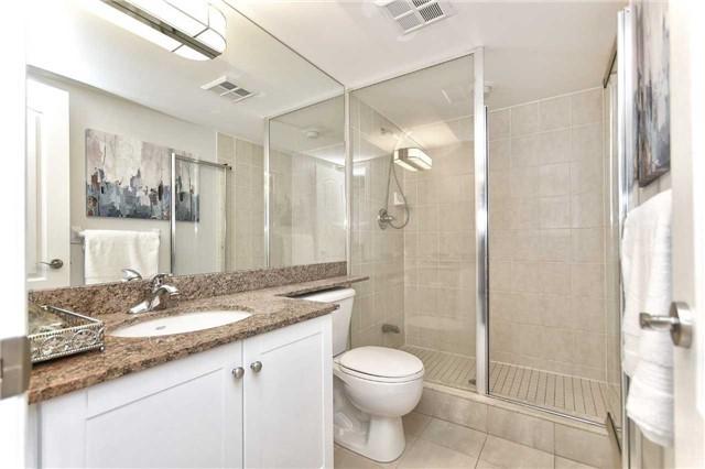 Condo Apartment at 50 Disera Dr, Unit 902, Vaughan, Ontario. Image 2