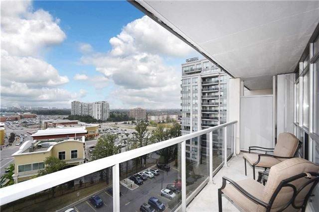 Condo Apartment at 50 Disera Dr, Unit 902, Vaughan, Ontario. Image 3