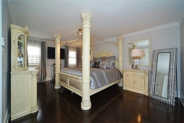 Detached at 328 St Urbain Dr, Vaughan, Ontario. Image 4