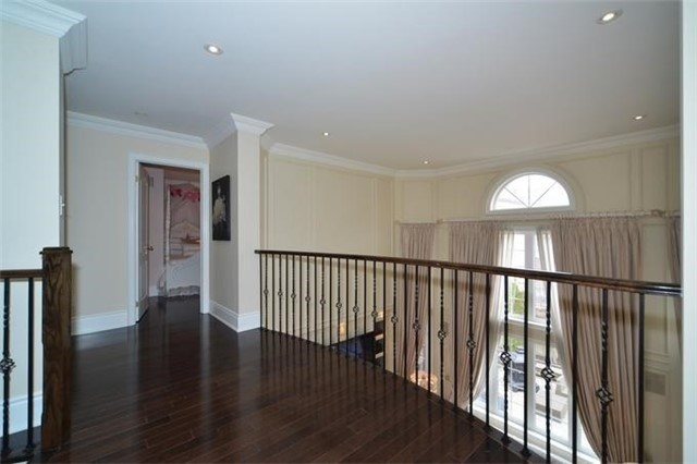 Detached at 328 St Urbain Dr, Vaughan, Ontario. Image 7