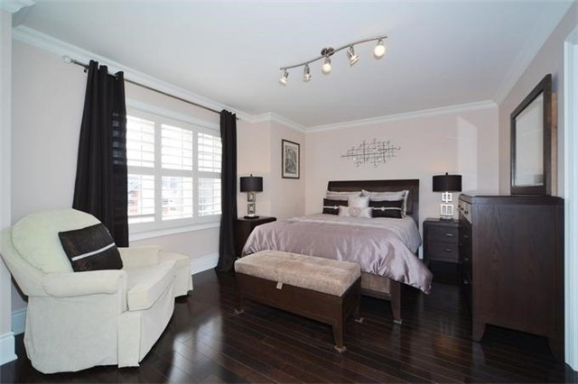 Detached at 328 St Urbain Dr, Vaughan, Ontario. Image 9