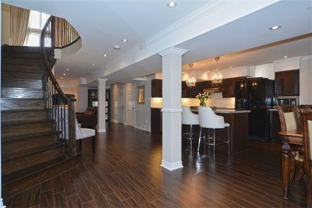 Detached at 328 St Urbain Dr, Vaughan, Ontario. Image 10