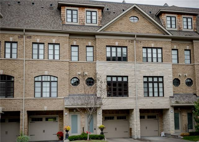 Condo Townhouse at 63 Powseland Cres, Vaughan, Ontario. Image 1