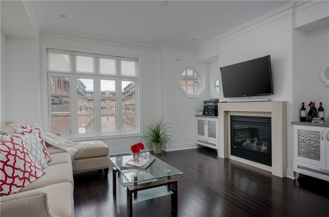 Condo Townhouse at 63 Powseland Cres, Vaughan, Ontario. Image 16
