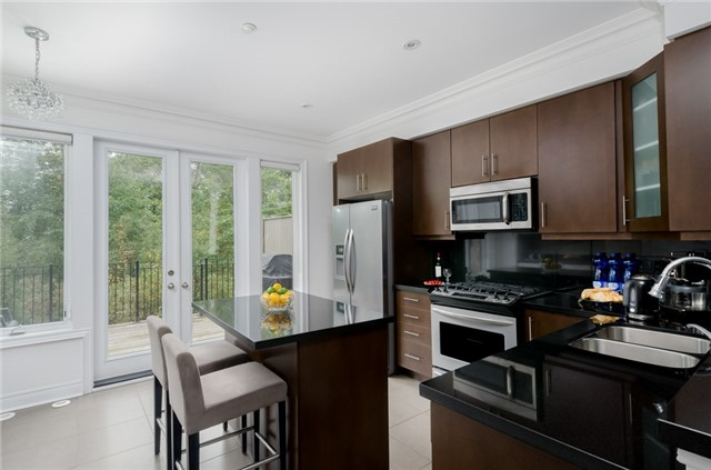 Condo Townhouse at 63 Powseland Cres, Vaughan, Ontario. Image 20