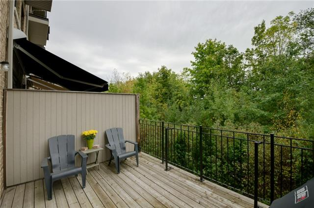 Condo Townhouse at 63 Powseland Cres, Vaughan, Ontario. Image 4