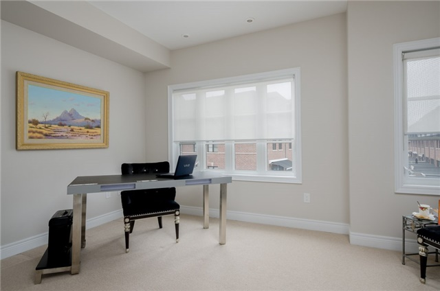 Condo Townhouse at 63 Powseland Cres, Vaughan, Ontario. Image 6