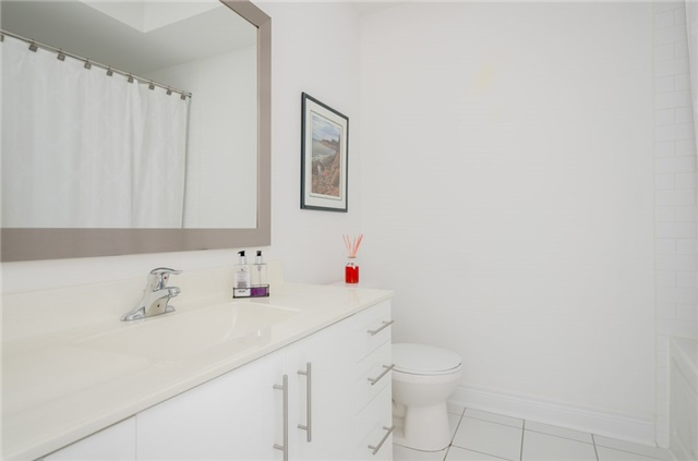 Condo Townhouse at 63 Powseland Cres, Vaughan, Ontario. Image 7