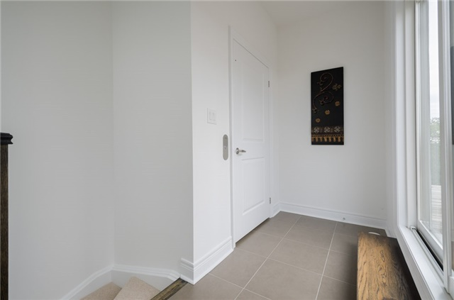 Condo Townhouse at 63 Powseland Cres, Vaughan, Ontario. Image 10
