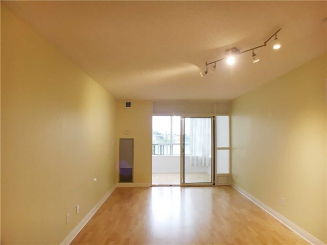 Condo Apartment at 7363 Kennedy Rd, Unit 301, Markham, Ontario. Image 9