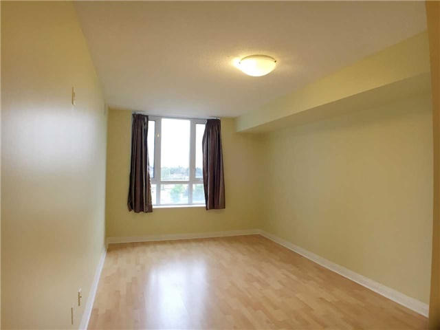 Condo Apartment at 7363 Kennedy Rd, Unit 301, Markham, Ontario. Image 10