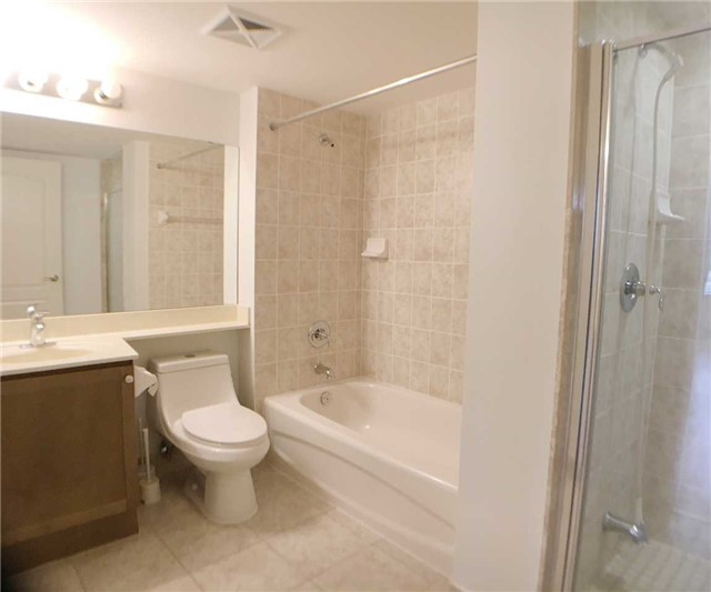 Condo Apartment at 7363 Kennedy Rd, Unit 301, Markham, Ontario. Image 12