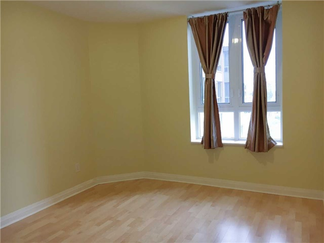 Condo Apartment at 7363 Kennedy Rd, Unit 301, Markham, Ontario. Image 13