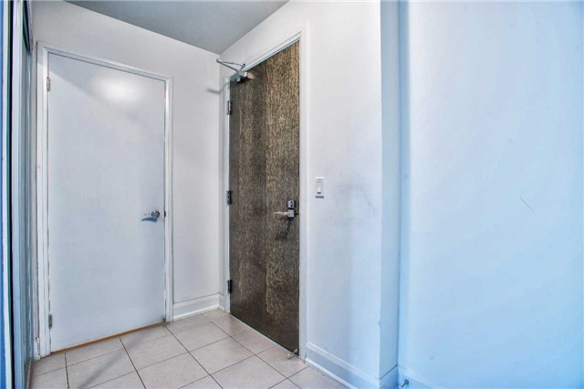 Condo Apartment at 2910 Highway 7 Rd, Unit 414, Vaughan, Ontario. Image 14