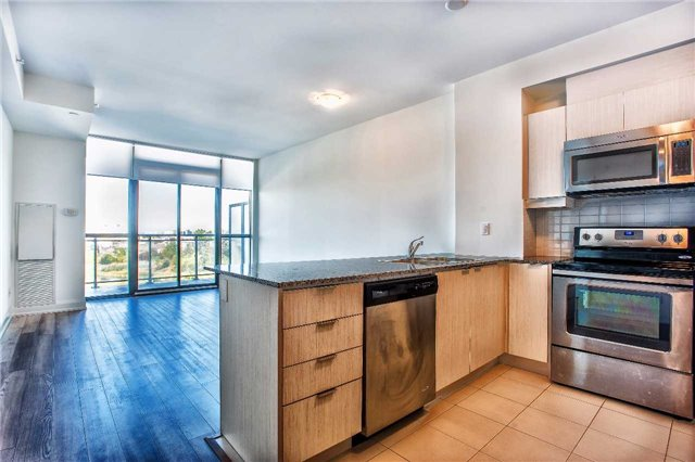 Condo Apartment at 2910 Highway 7 Rd, Unit 414, Vaughan, Ontario. Image 17