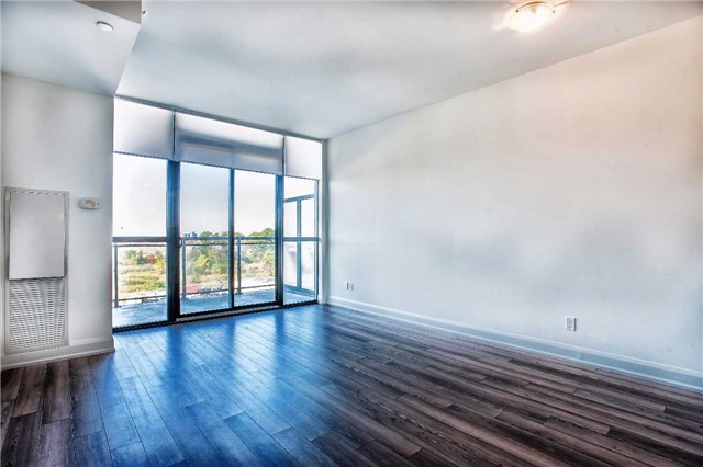 Condo Apartment at 2910 Highway 7 Rd, Unit 414, Vaughan, Ontario. Image 18