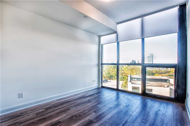 Condo Apartment at 2910 Highway 7 Rd, Unit 414, Vaughan, Ontario. Image 3