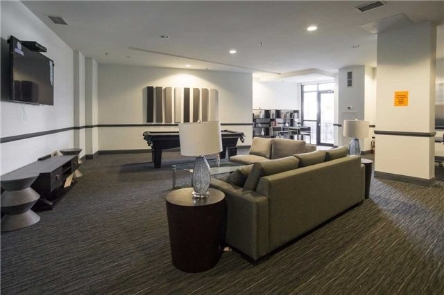 Condo Apartment at 2910 Highway 7 Rd, Unit 414, Vaughan, Ontario. Image 11