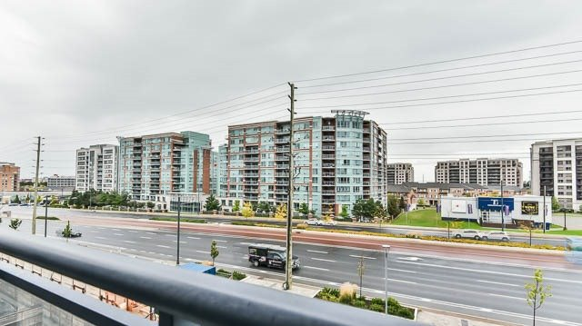 Condo Apartment at 372 Highway 7 Rd E, Unit 502, Richmond Hill, Ontario. Image 2