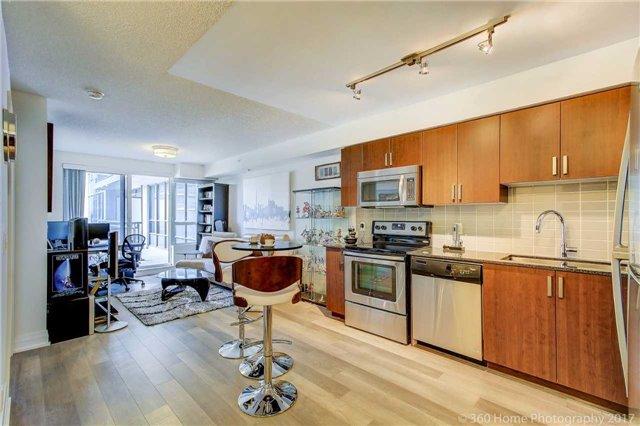 Condo Apartment at 372 Highway 7 E, Unit 719, Richmond Hill, Ontario. Image 14