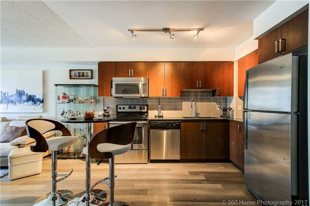 Condo Apartment at 372 Highway 7 E, Unit 719, Richmond Hill, Ontario. Image 15