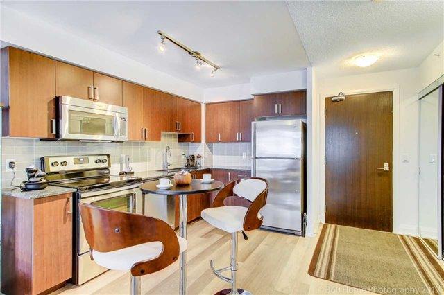 Condo Apartment at 372 Highway 7 E, Unit 719, Richmond Hill, Ontario. Image 16