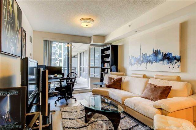 Condo Apartment at 372 Highway 7 E, Unit 719, Richmond Hill, Ontario. Image 17