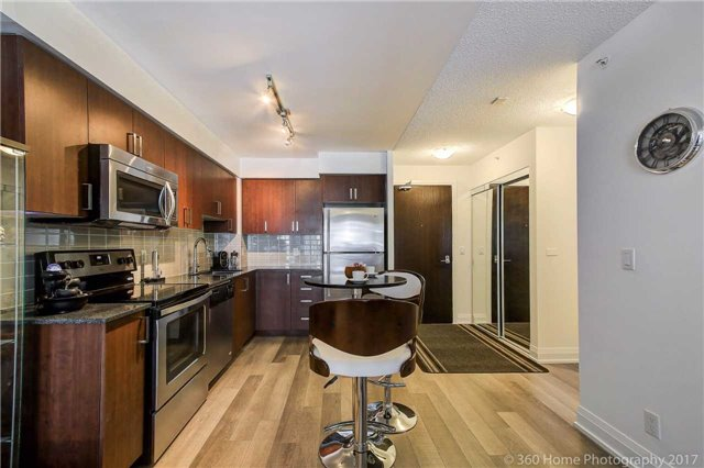Condo Apartment at 372 Highway 7 E, Unit 719, Richmond Hill, Ontario. Image 18