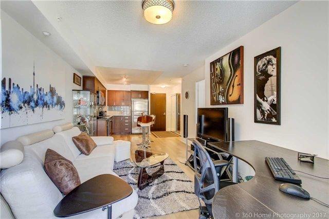 Condo Apartment at 372 Highway 7 E, Unit 719, Richmond Hill, Ontario. Image 19