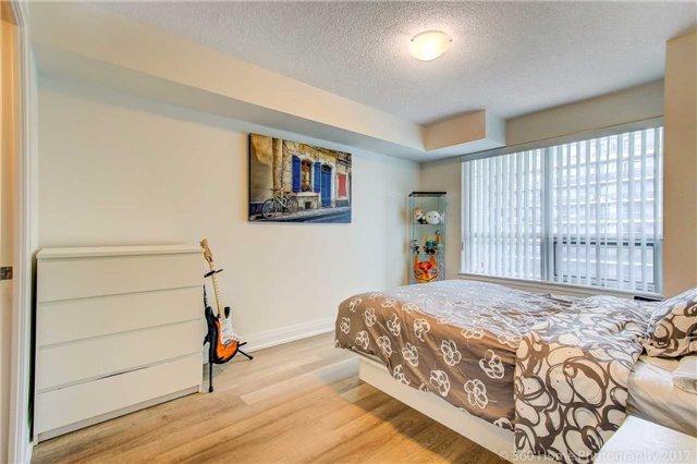 Condo Apartment at 372 Highway 7 E, Unit 719, Richmond Hill, Ontario. Image 3