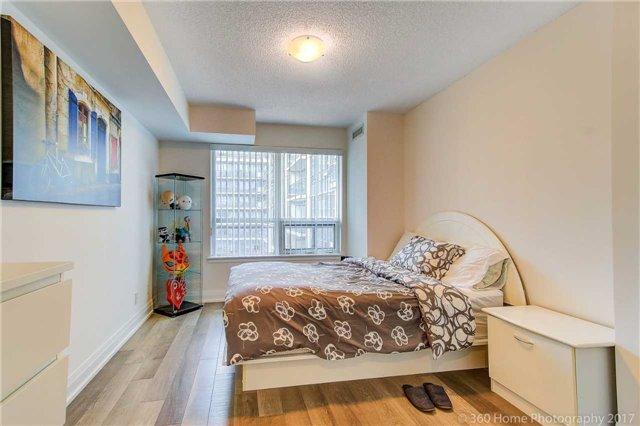 Condo Apartment at 372 Highway 7 E, Unit 719, Richmond Hill, Ontario. Image 4