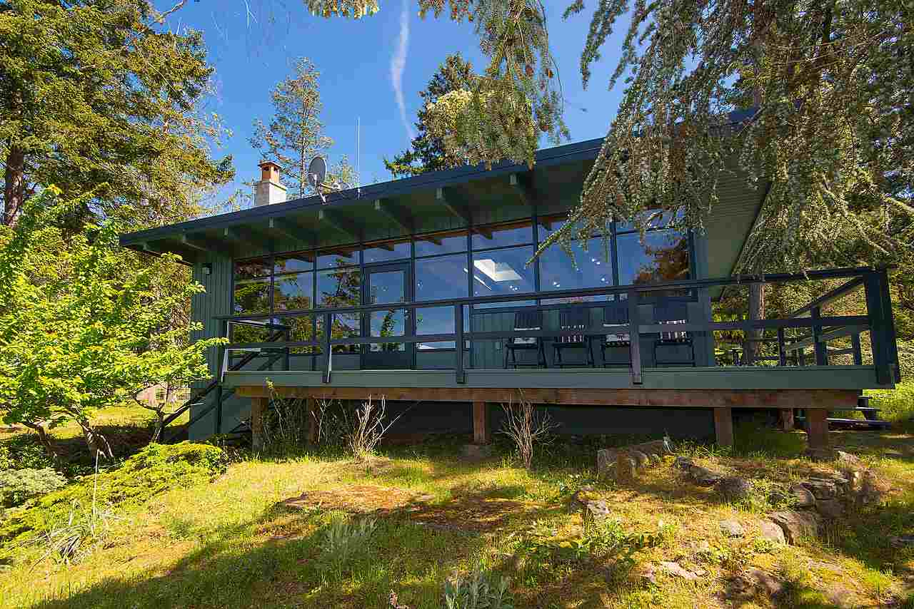 Detached at 575-675 CAIN ROAD, Islands-Van. & Gulf, British Columbia. Image 13