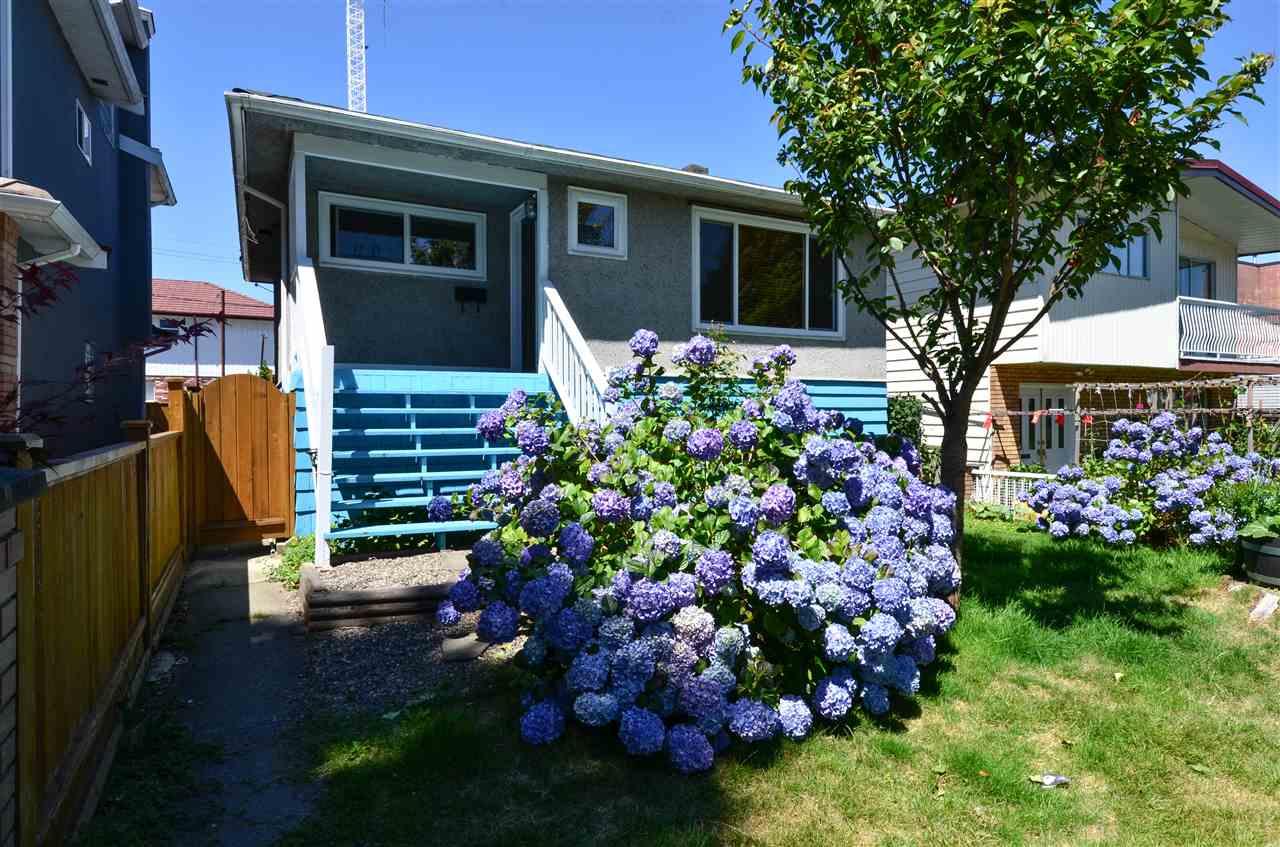 Detached at 4873 BALDWIN STREET, Vancouver East, British Columbia. Image 1