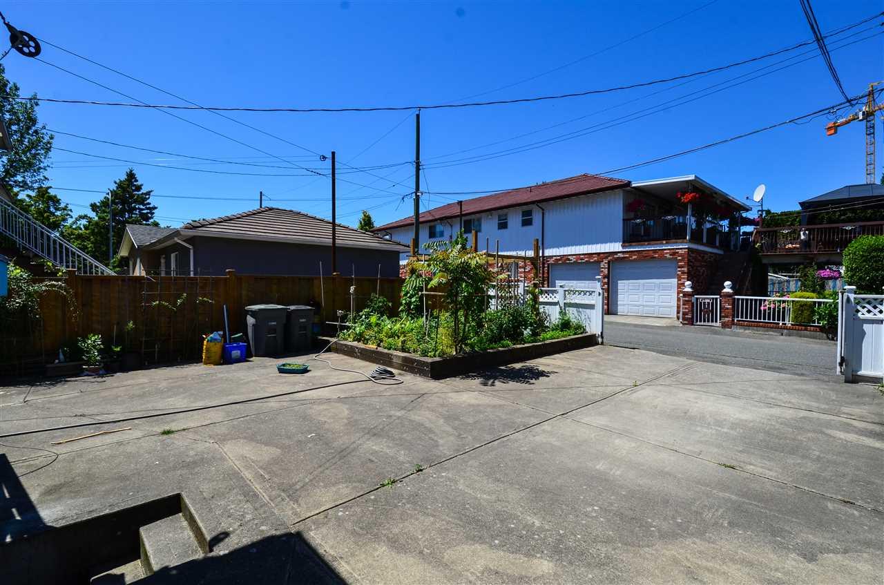 Detached at 4873 BALDWIN STREET, Vancouver East, British Columbia. Image 3