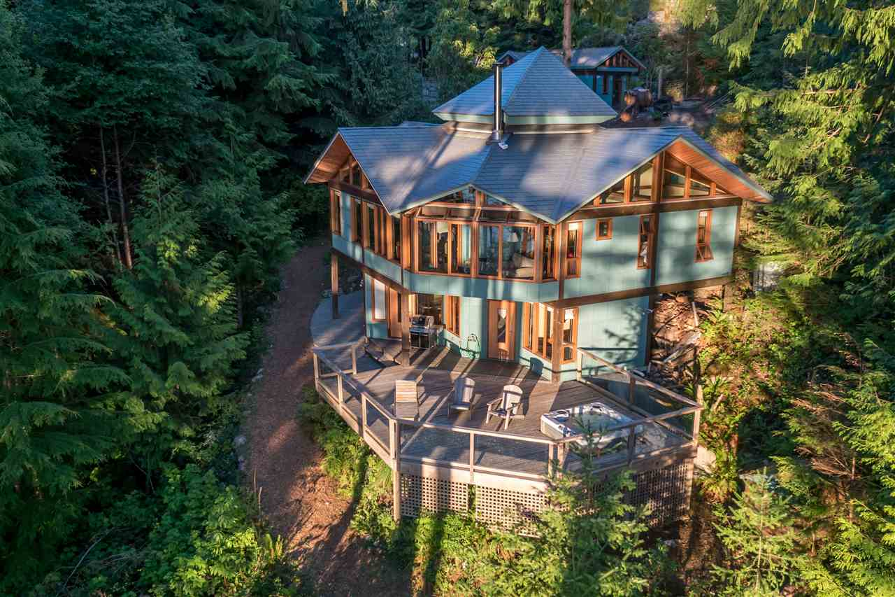 Detached at 1711 ISLE VIEW LANE, Bowen Island, British Columbia. Image 1
