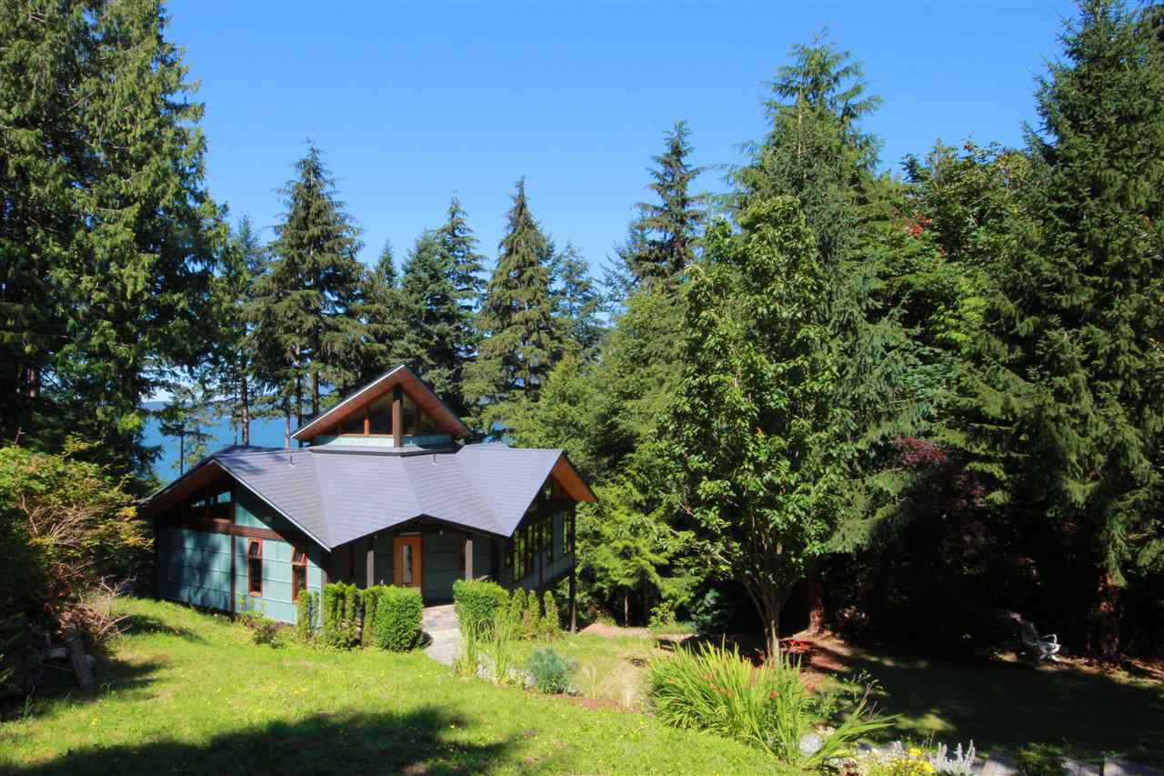 Detached at 1711 ISLE VIEW LANE, Bowen Island, British Columbia. Image 5