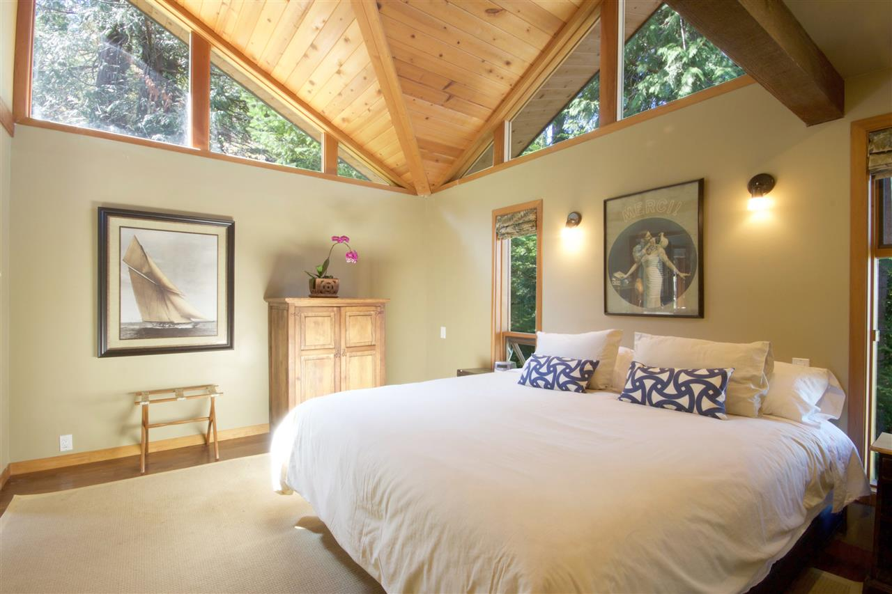 Detached at 1711 ISLE VIEW LANE, Bowen Island, British Columbia. Image 13