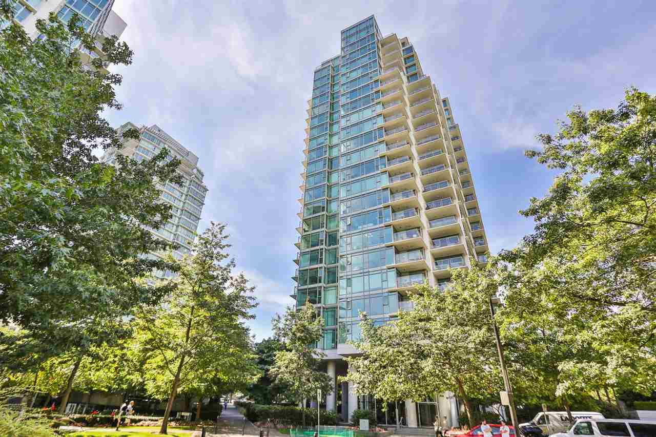 Condo Apartment at 1901 1680 BAYSHORE DRIVE, Unit 1901, Vancouver West, British Columbia. Image 3