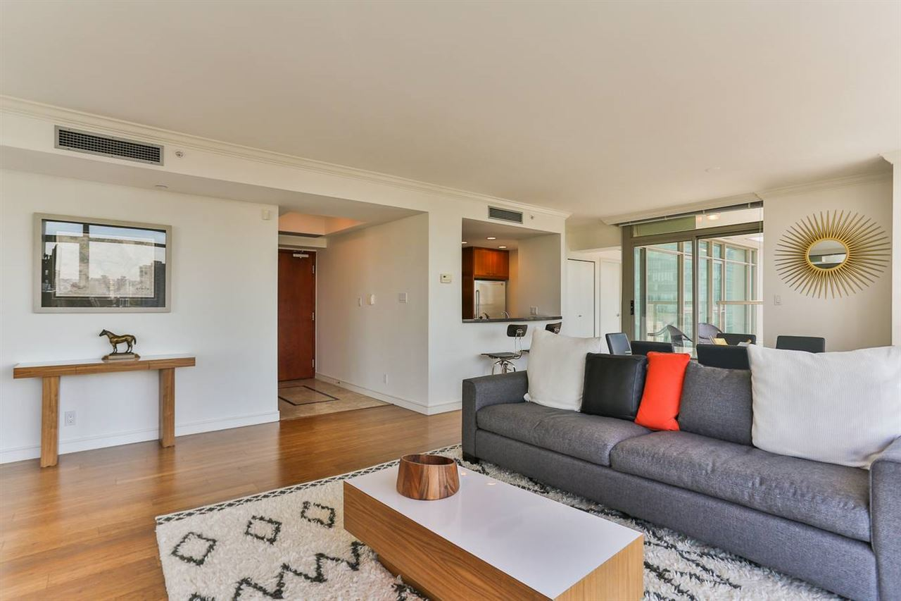 Condo Apartment at 1901 1680 BAYSHORE DRIVE, Unit 1901, Vancouver West, British Columbia. Image 13