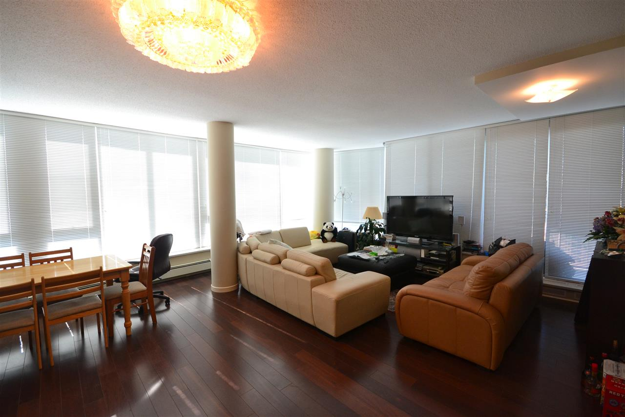 Condo Apartment at 3702 689 ABBOTT STREET, Unit 3702, Vancouver West, British Columbia. Image 6
