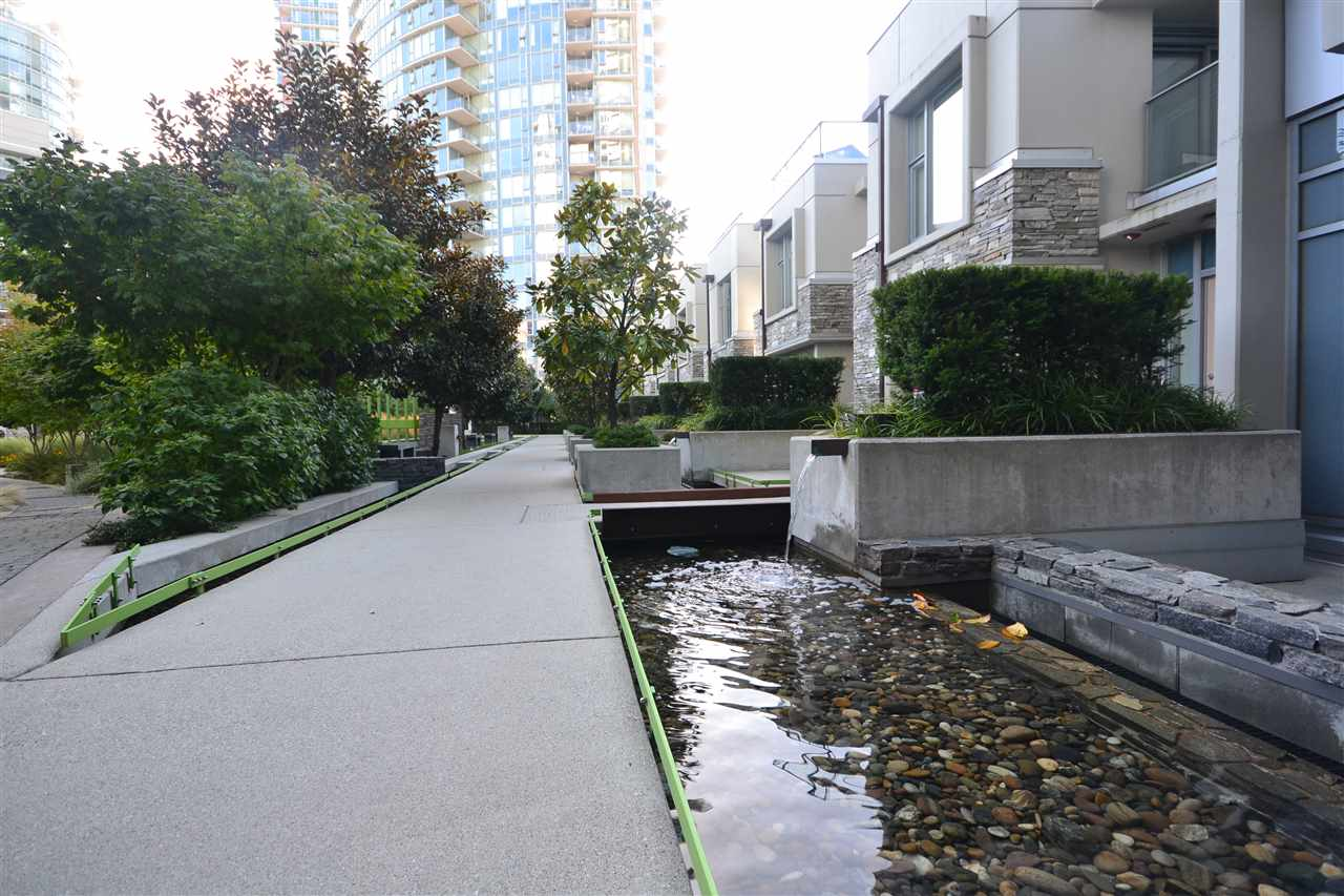 Condo Apartment at 3702 689 ABBOTT STREET, Unit 3702, Vancouver West, British Columbia. Image 14